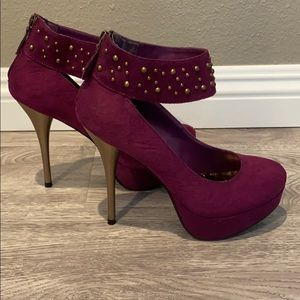 "Magenta 6"" heels with gold accents size 8"